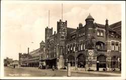 Postcard Haarlem Nordholland Niederlande, Station, Bahnhof, Straßenseite