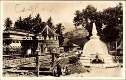 Postcard Kandy Sri Lanka, Temple of the Holy tooth, Gebetstempel