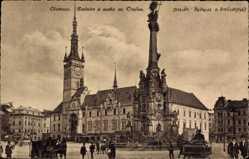 Postcard Olomouc Olmütz Stadt, Radnice a socha sv Trojice, Rathaus, Säule