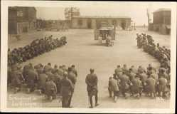 Foto Ak Naisey les Granges Doubs, Soldaten beim Gottesdienst, Gebet