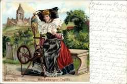 Litho Bückeburg im Kreis Schaumburg, Frau in Tracht am Spinnrad, Flügelhaube