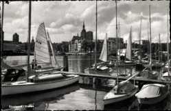 Postcard Stralsund in Mecklenburg Vorpommern, Blick in den Hafen, Boote, Segeln