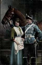 Postcard Schön ist die Jugend, ist denn Liebe ein verbrechen, Husar mit Pferd