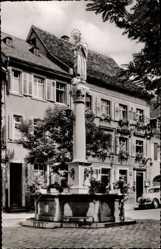 Postcard Waldkirch im Elztal, Partie am Marktbrunnen, Mutter Gottes