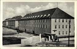 Postcard Weiden in der Oberpfalz, Partie am Eingang der Kaserne