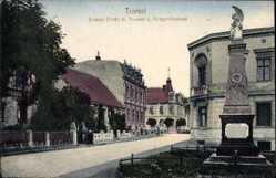 Postcard Triebel Ostbrandenburg, Sorauer Straße mit Postamt und Kriegerdenkmal