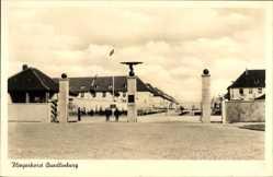 Ak Quedlinburg im Harz, Fliegerhorst der Luftwaffe, Eingang