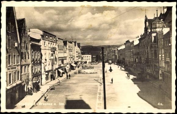 Postcard Braunau Am Inn  Blick Auf Den Stadtplatz