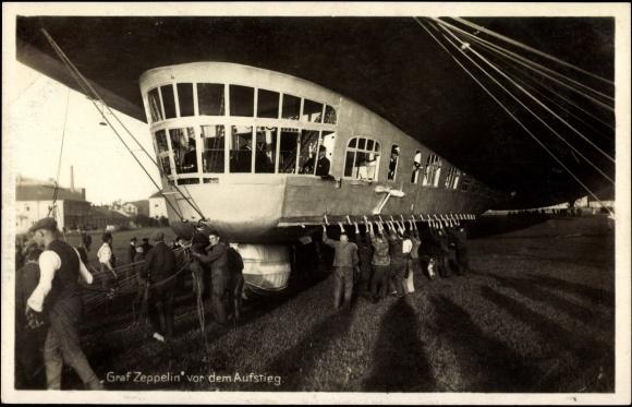 ansichtskarte postkarte luftschiff graf zeppelin vor dem. Black Bedroom Furniture Sets. Home Design Ideas