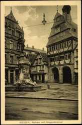 Postcard Gießen Hessen, Rathaus mit Kriegerdenkmal, Bäckerei Ludwig Rühl