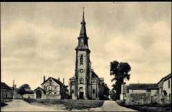 Cp Loigny la Bataille Eure et Loir, vue générale de la Nouvelle Eglise