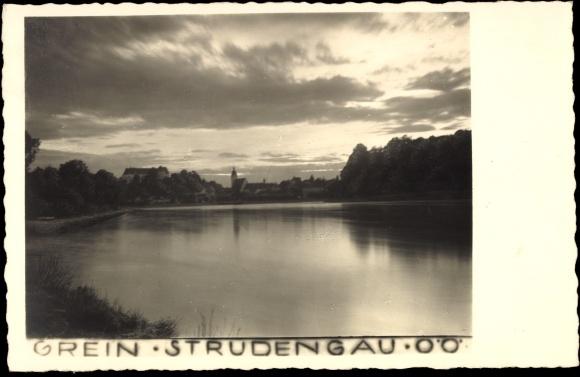 Ansichtskarte / Postkarte Grein Strudengau Oberösterreich, Blick vom Wasser auf die Ortschaft
