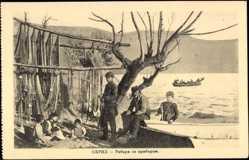 Postcard Ohrid Mazedonien, Familie am Ufer, Fischer, Aushängen der Netze