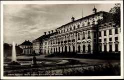 Postcard Schleißheim, Blick auf das Schloss und den Park mit Springbrunnen