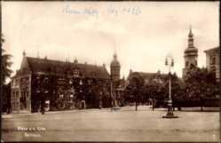 Postcard Riesa an der Elbe Sachsen, Blick vom Marktplatz auf das Rathaus