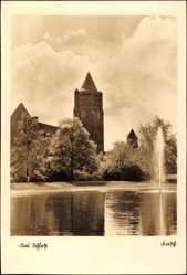 Ak Poznań Posen, Blick auf das Schloss über Teich hinweg, Springbrunnen