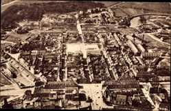 Postcard Saarlouis im Saarland, Fliegeraufnahme der Stadt, Platz