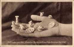 Ansichtskarte / Postkarte Meißen in Sachsen, Teilstücke von den kleinsten Meißener Porzellan Services