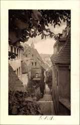 Ansichtskarte / Postkarte Meißen, Blick auf die roten Stufen, Straßenpartie, Häuser, Dachziegel