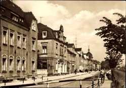 Ansichtskarte / Postkarte Weinböhla Sachsen, Bahnhofstraße, Gebäude, Geländer