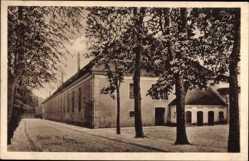 Ak Żary Sorau Ostbrandenburg, Turnhalle, Straßenpartie