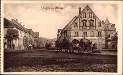 Postcard Jelgava Mitau Lettland, Straße im Ort, Soldatenkonvoi