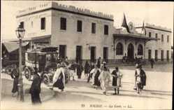 Postcard Sousse Tunesien, La Gare, Ansicht vom Bahnhof, Auto, Straßenseite