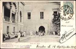 Postcard Tunis Tunesien, Dar el Bey, Straßenpartie mit Blick auf Gebäude