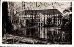 Ak Poznań Posen, Reichsbahndirektion, Blick vom anderen Wasserufer