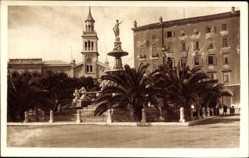 Postcard Split Kroatien, Blick auf einen Platz, Brunnen, Kirche, Palmen, Häuser