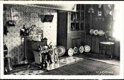 Ak Edam Volendam Nordholland, Innenansicht eines Wohnhauses, Teller