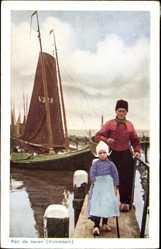 Ak Edam Volendam Nordholland, Aan de haven, Hafenpartie, Vater und Tochter