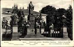 Lutherdenkmal, Huss, Savonarola