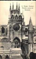 Fachada y Puerta del Sarmental