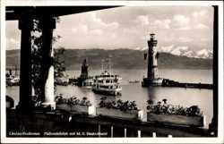 Hafeneinfahrt, MS Deutschland