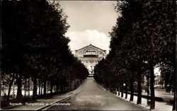 Festspielhaus, Auffahrtstraße