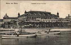 Stadthalle mit der Terrasse