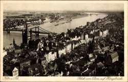 Blick vom Dom auf Hängebrücke
