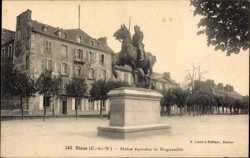 Statue equestre de Duguesclin