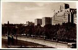 Embankment, Cleopatras Needle